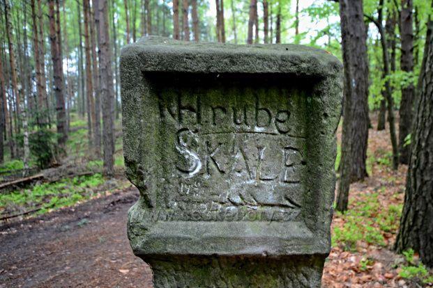 Kamenný rozcestník