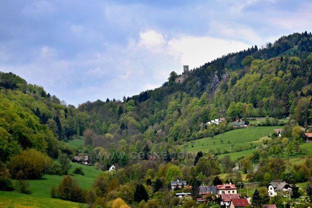 Malá Skála a zřícenina hradu Frýdštějn