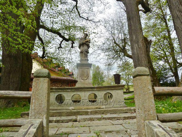 Kunvald - socha svatého Jána