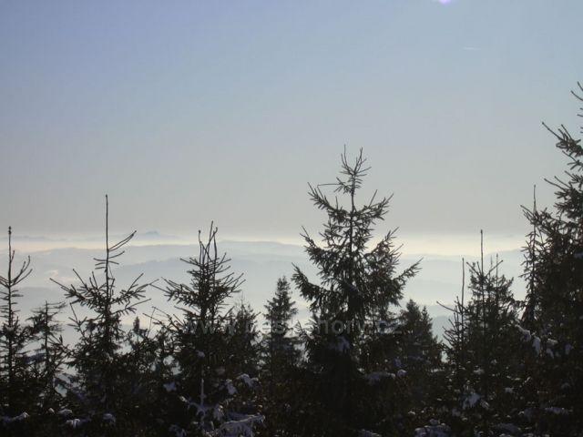 Výhled ze Skálky na Slovensko