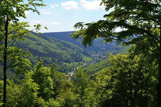 Výhledy ze Zámecké hory - Ludvíkov