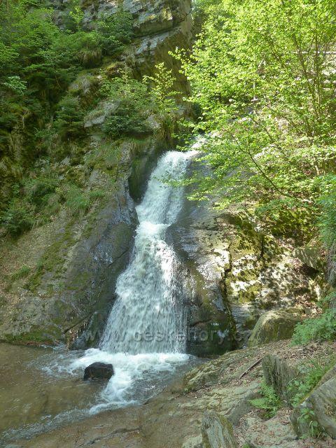 Rešov - velký vodopád na Huntavě