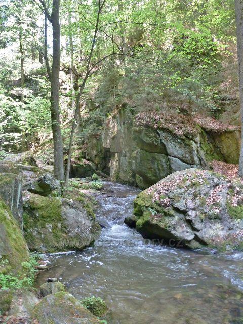 Rešovské vodopády -horní část kaňonu Huntavy