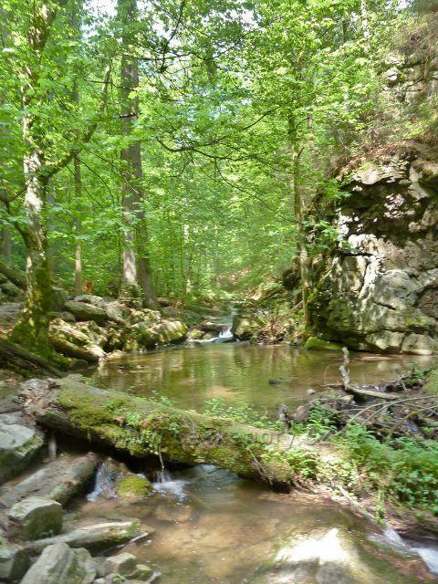 Rešovské vodopády - horní část kaňonu Huntavy