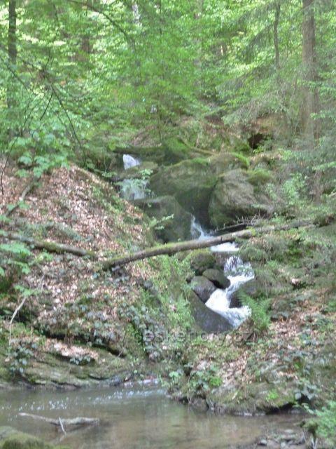 Rešovské vodopády - Huntava v horní části kaňonu