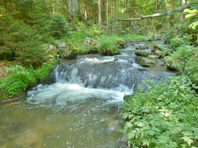 Rešovské vodopády - Huntava pod soutokem s Tvrdkovským potokem