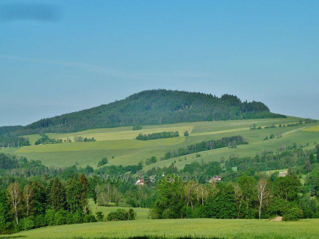 Mladkov - pohled od bývalé lesní školky na vrch Studený(721 m.n.m.)