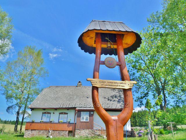 Zvonička u chalupy pod jamenskou vodárnou