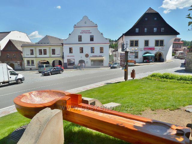 Jablonné nad Orlicí - lžíce a měšťanské domy na Náměstí 5.května
