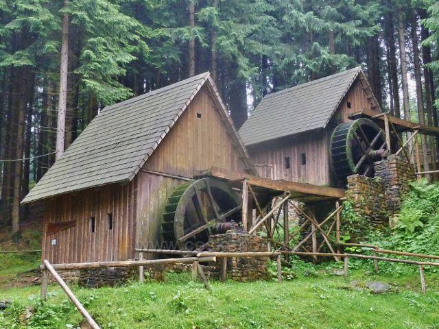 Zlaté Hory - areál skanzenu Zlatorudné mlýny