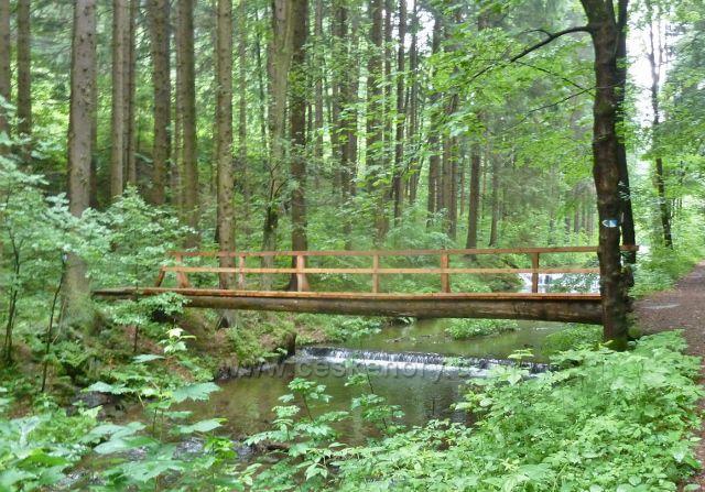 Mostek přes Olešnici na obrátce okruhu trasy NS Zlatorudné mlýny