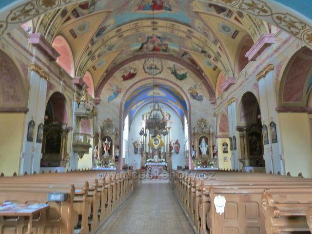 Zlaté Hory - interiér kostela Nanebevzetí Panny Marie
