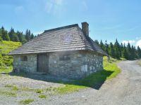 Švýcárna - kamenný objekt vedle chaty