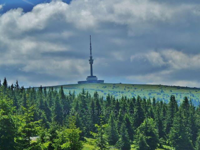 Mraky nad Pradědem - pohled z cesty od Švýcárny k rozcestí Slatě