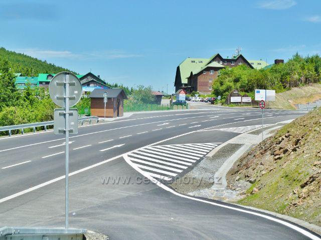 Nová silnice přes Červenohorské sedlo