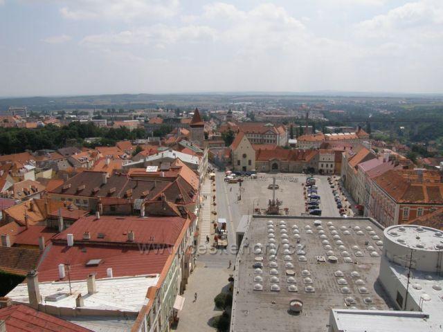 Masarykovo náměstí z Radniční věže-Znojmo