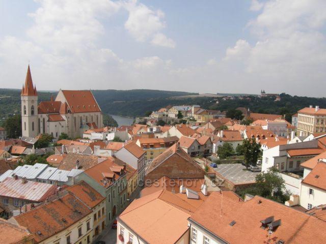 Pohled z Radniční věže ke Znojemské přehradě-Znojmo