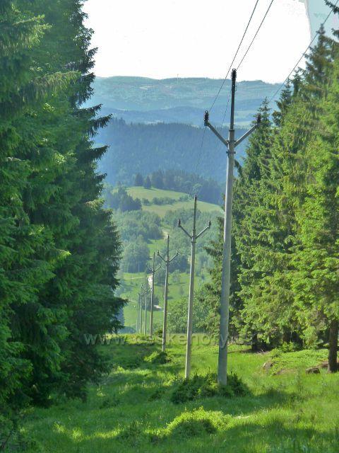 Paprsek - elektrické vedení k chatě