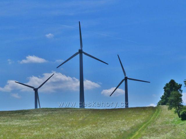 Ostružná - vrtule za kopcem