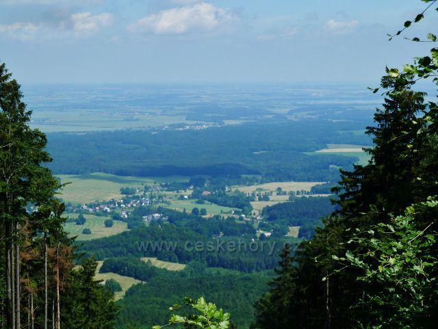 Vépenná - pohled z úbočí Jasanového vrchu k Zelené hoře a PP Píšťala