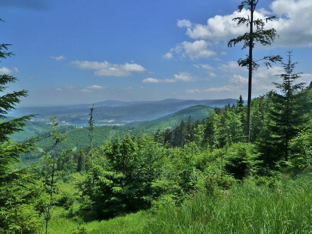 Lázně Jeseník - pohled z úbočí Studničního vrchu k Písečné