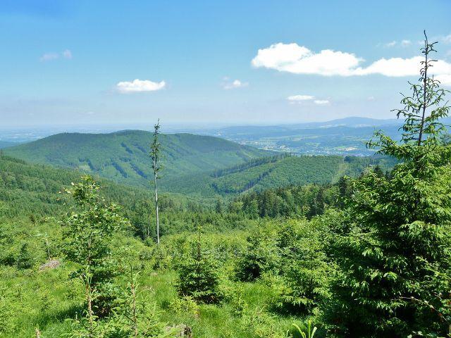 Lázně Jeseník - pohled z úbočí Studničního vrchu na hřeben Černé hory