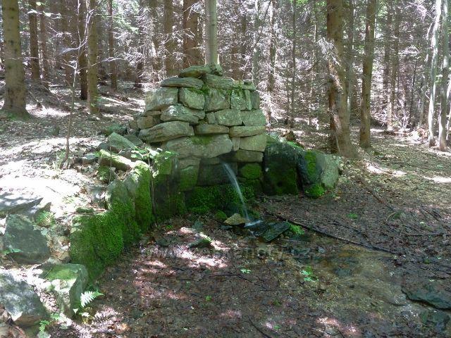 Lázně Jeseník - pramen Kameníce nad loveckou chatou
