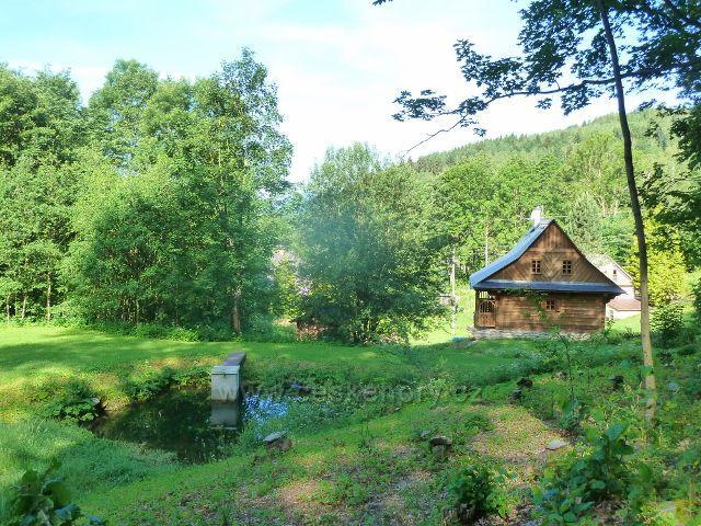 Nové Losiny - rybníček v horní části obce