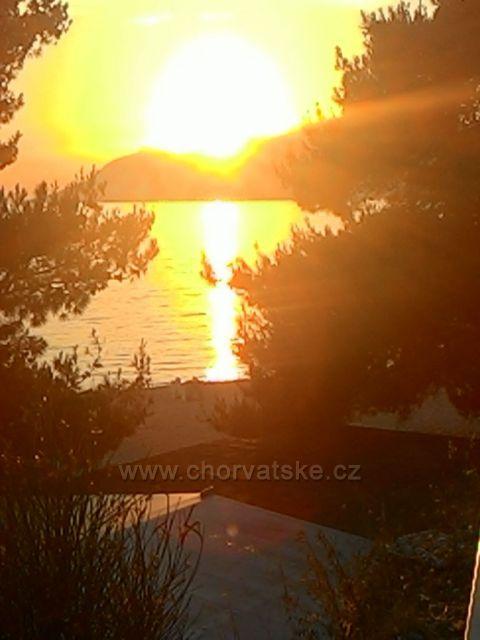 Západ slunce při procházce do Baško Voda
