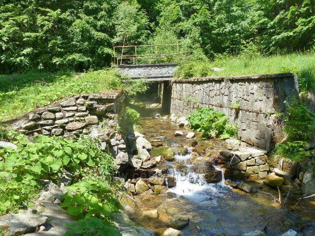Kouty n.D. -mostek přes Poniklý potok