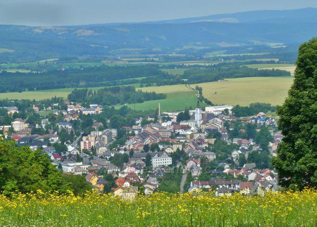 Horní Hedeč -pohled od kláštera na Králíky