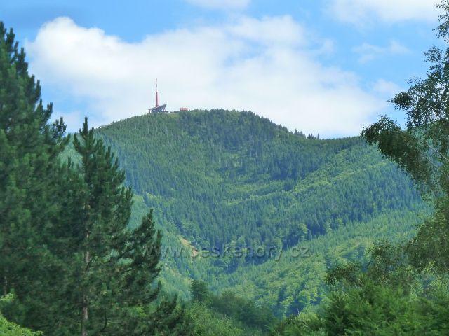 Lysá hora - pohled od hotelu Petr Bezruč k Lysé hoře