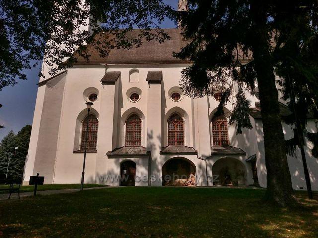 Velké Losiny-kostel sv. Jana Křtitele se zazděným původním kamenným oltářem a kaplí sv. Kříže