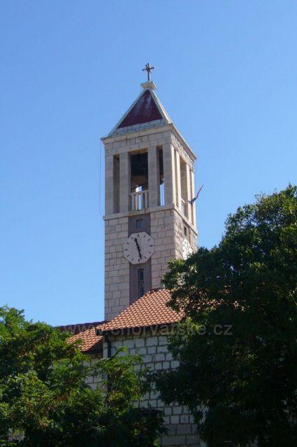 Gradac,kostel