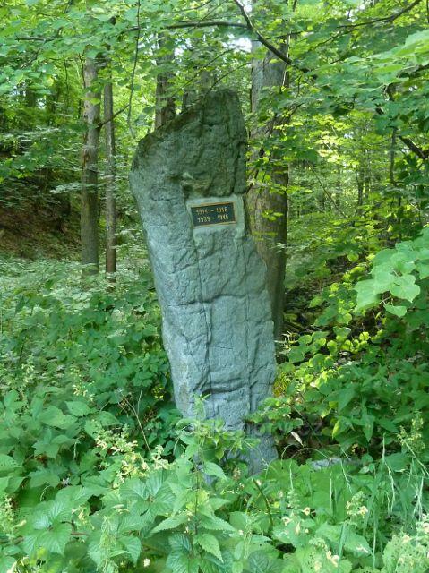 Památník válek na rozcestí pod Muchovicema