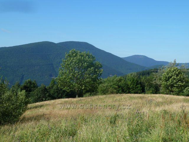 Butořanka - pohled na protilehlé vrcholy Malého Smrku (1174 m.n.m.) a Smrku (1275 m.n.m.)
