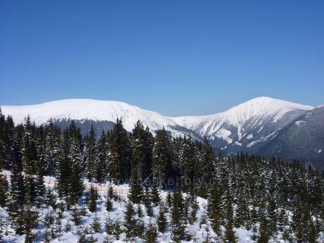 Sněžka a Studniční hora z Hnědého vrchu