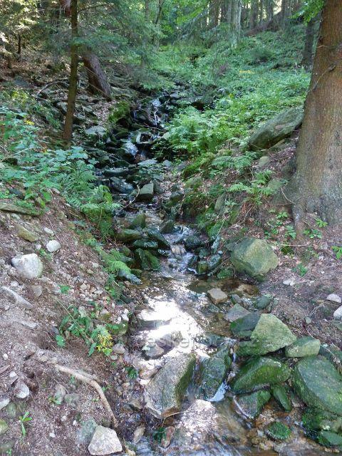 Dolní Morava - horní tok levostranného přítoku řeky Moravy, pramení na úbočí vrchu Slamník
