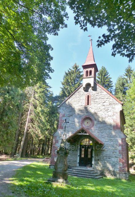 Podlesí - barokní kaple Nejsvětější Trojice z poloviny 18.století