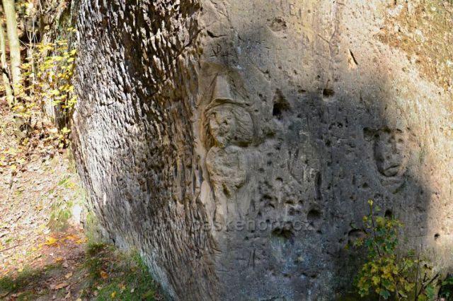 Svor-reliéf u jeskyně
