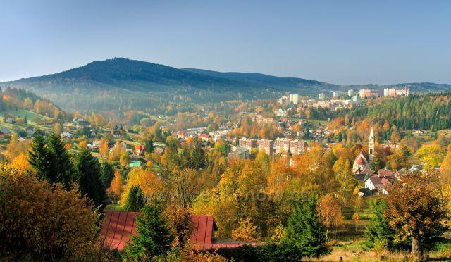 Tanvald v barvách podzimu.
