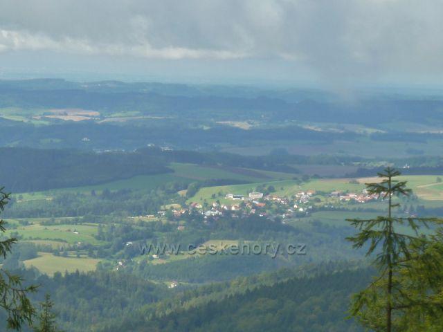 Pohled ze Suchého vrchu na Sobkovice, Letohrad a Žamberk
