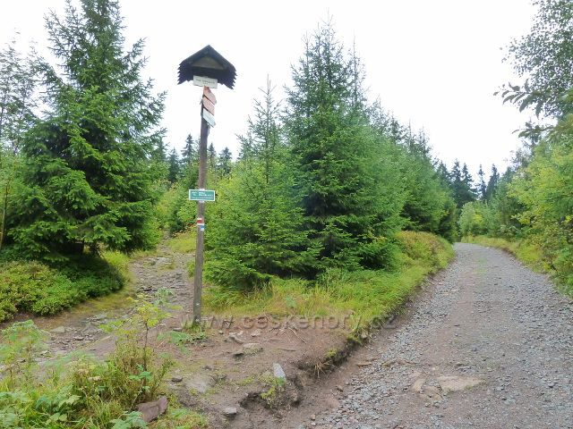 "Suchý vrch - turistický rozcestník ""Pod Bradlem, 923 m.n.m."""