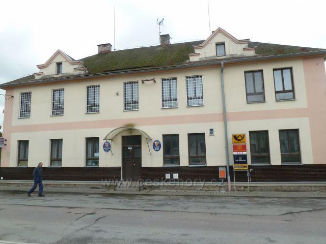 Slatina nad Zdobnicí - sídlo Obecního úřadu a Slatinské galerie