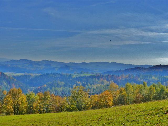 Hynčice pod Sušinou - pohled z hynčických pastvin k Hanušovické vrchovině