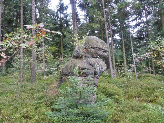 Polické stěny - skalní útvar nad Hájkovo roklí