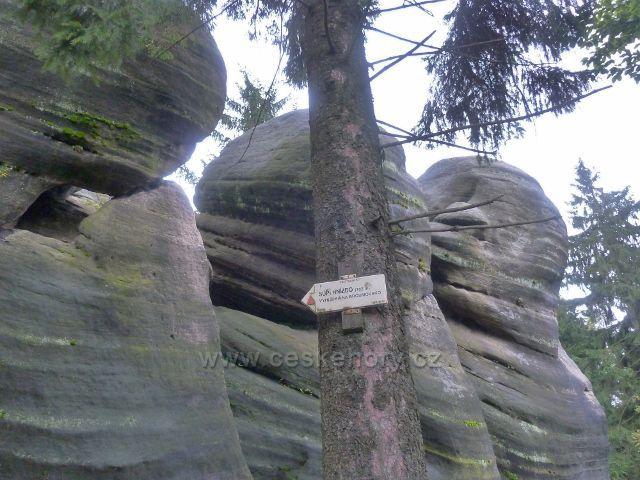 Polické stěny -  skalní útvar Supí hnízdo