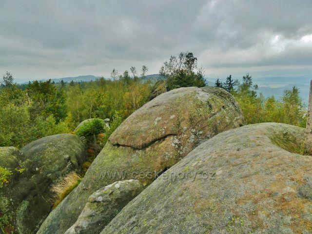 Polické stěny -vrchol skalního útvaru Supí hnízdo