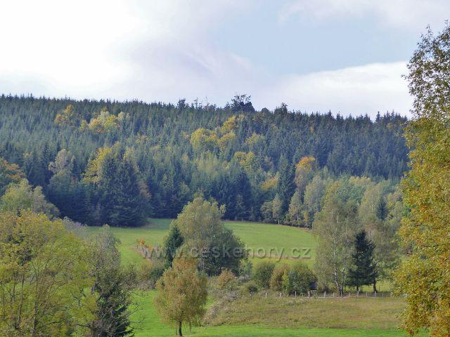 Nové Losiny - pohled z Přemyslovského sedla ke Třem kamenům