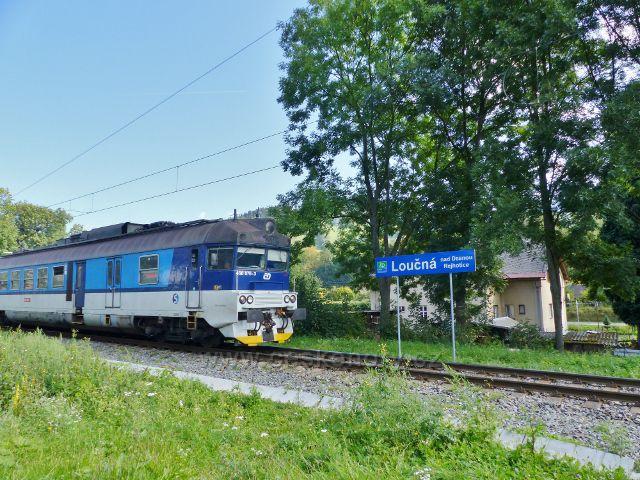 Železniční stanice Loučná nad Desnou - Rejhotice na trati Šumperk-Kouty nad Desnou